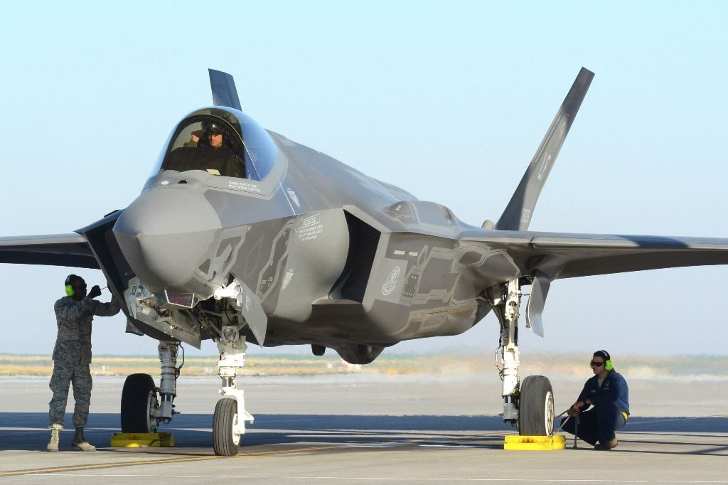 Power Supply Solutions for Military Aircraft